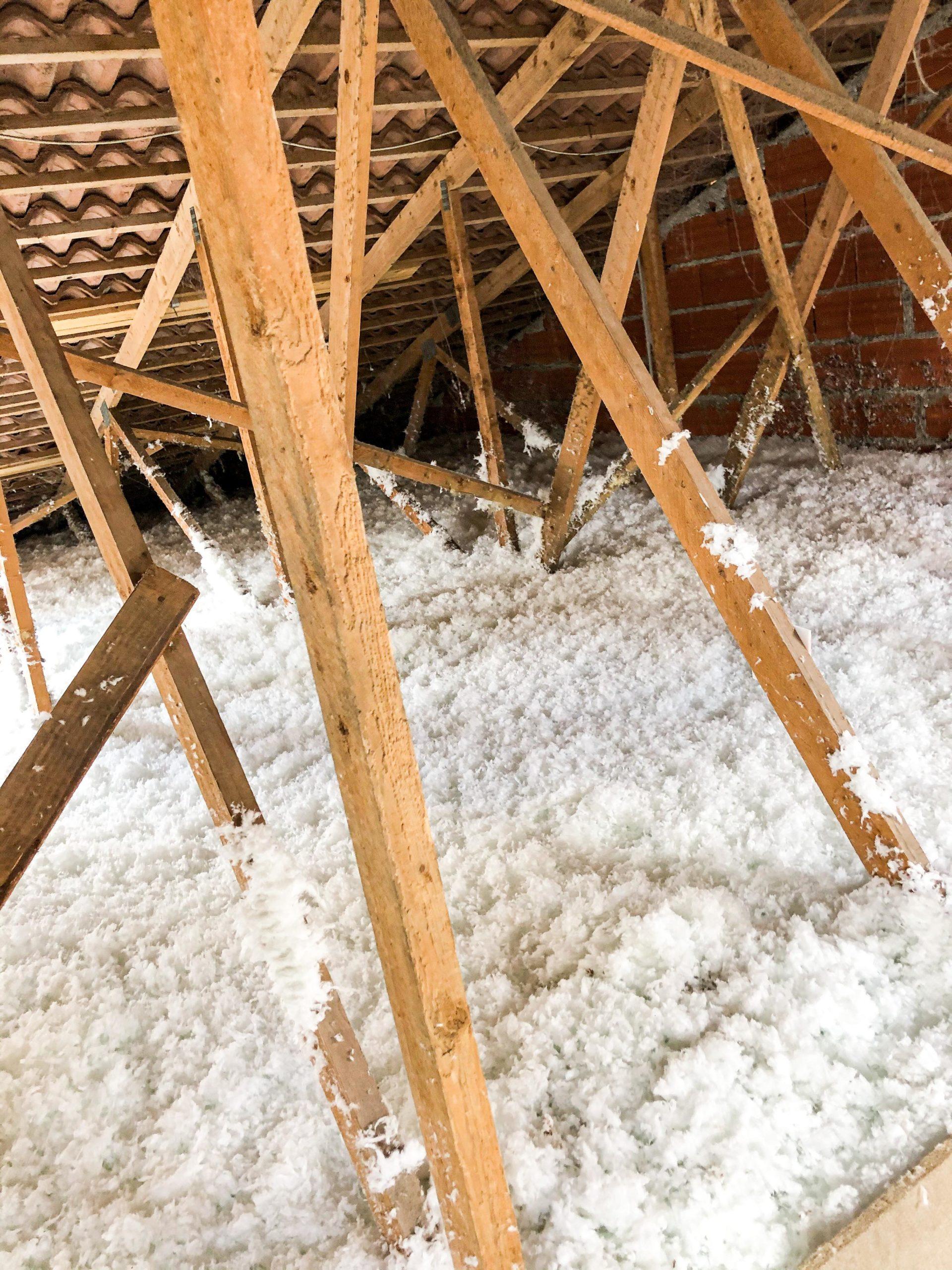 Isolation laine minérale et ouate de cellulose Toulouse Occitanie Domo Conseil